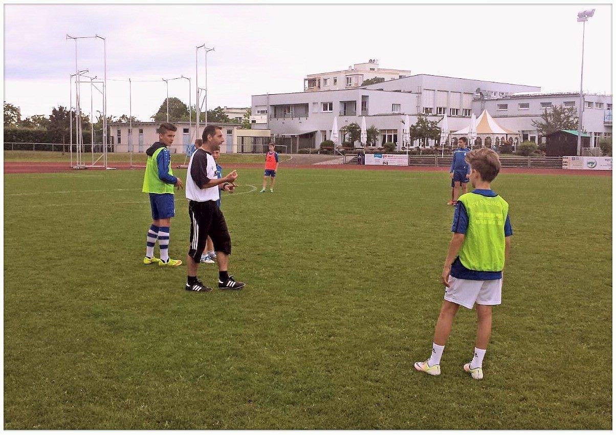 nakis_coach_three
